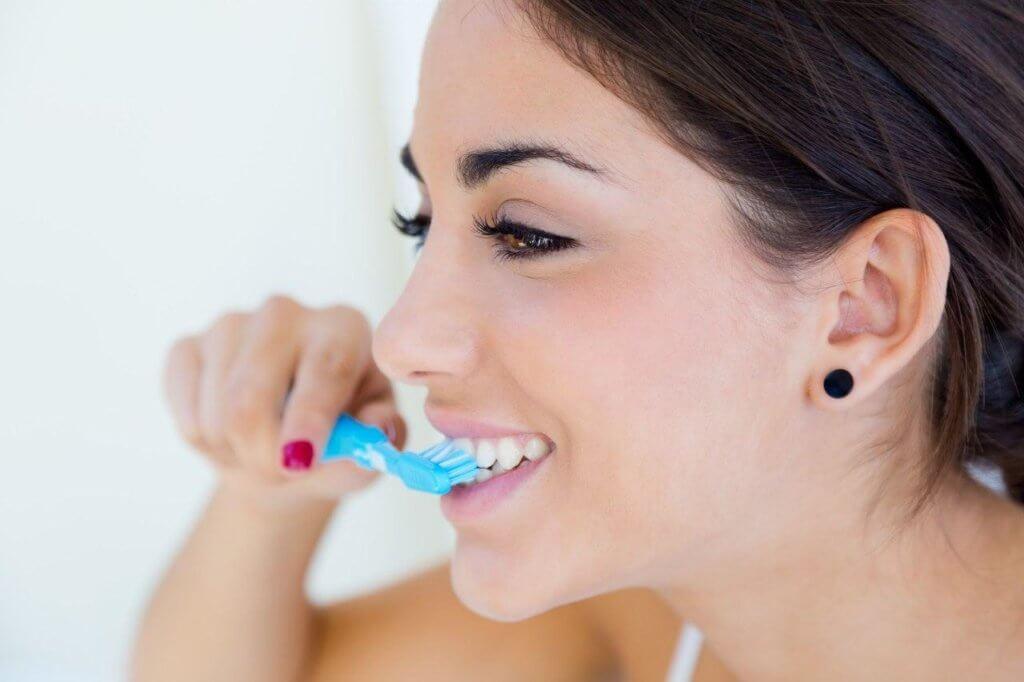 Повышенная чувствительность зубов. Причины и как с ней бороться.Повышенная чувствительность зуба. Чистка зубов