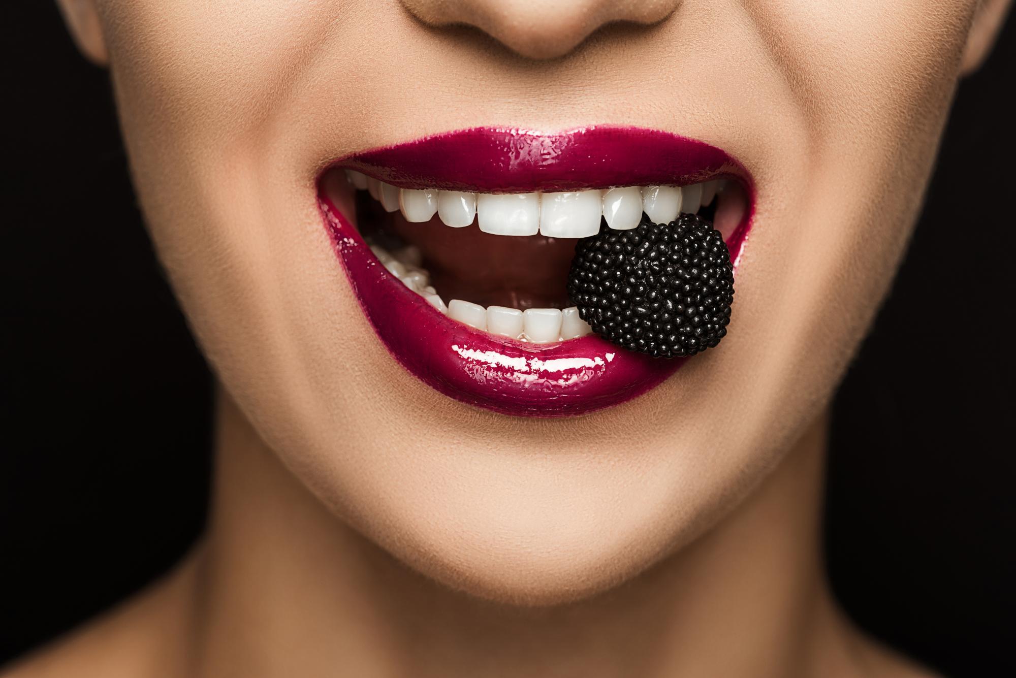 Статья: Продукты, которые портят зубы