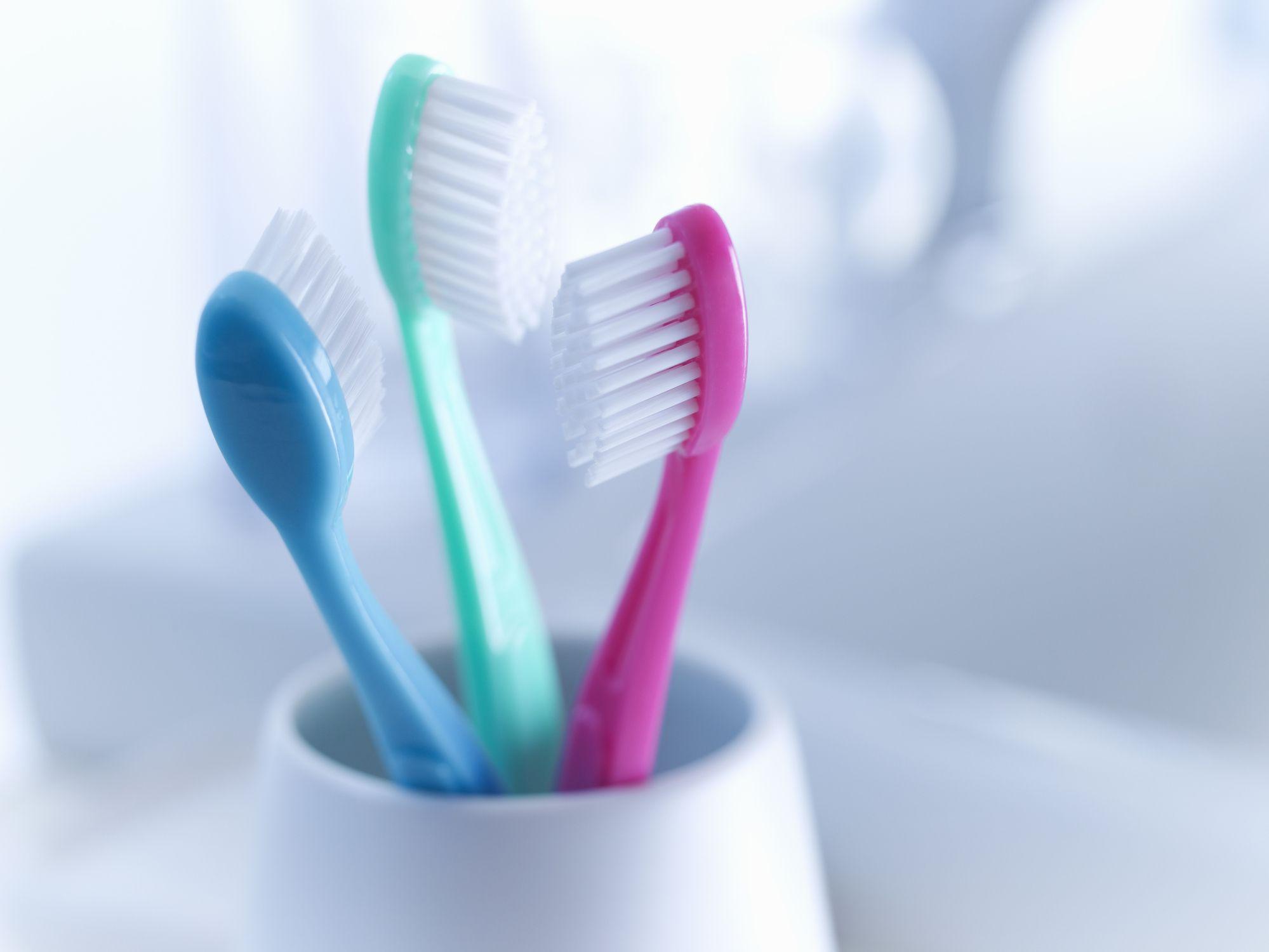 Статья: Какую зубную щетку выбрать