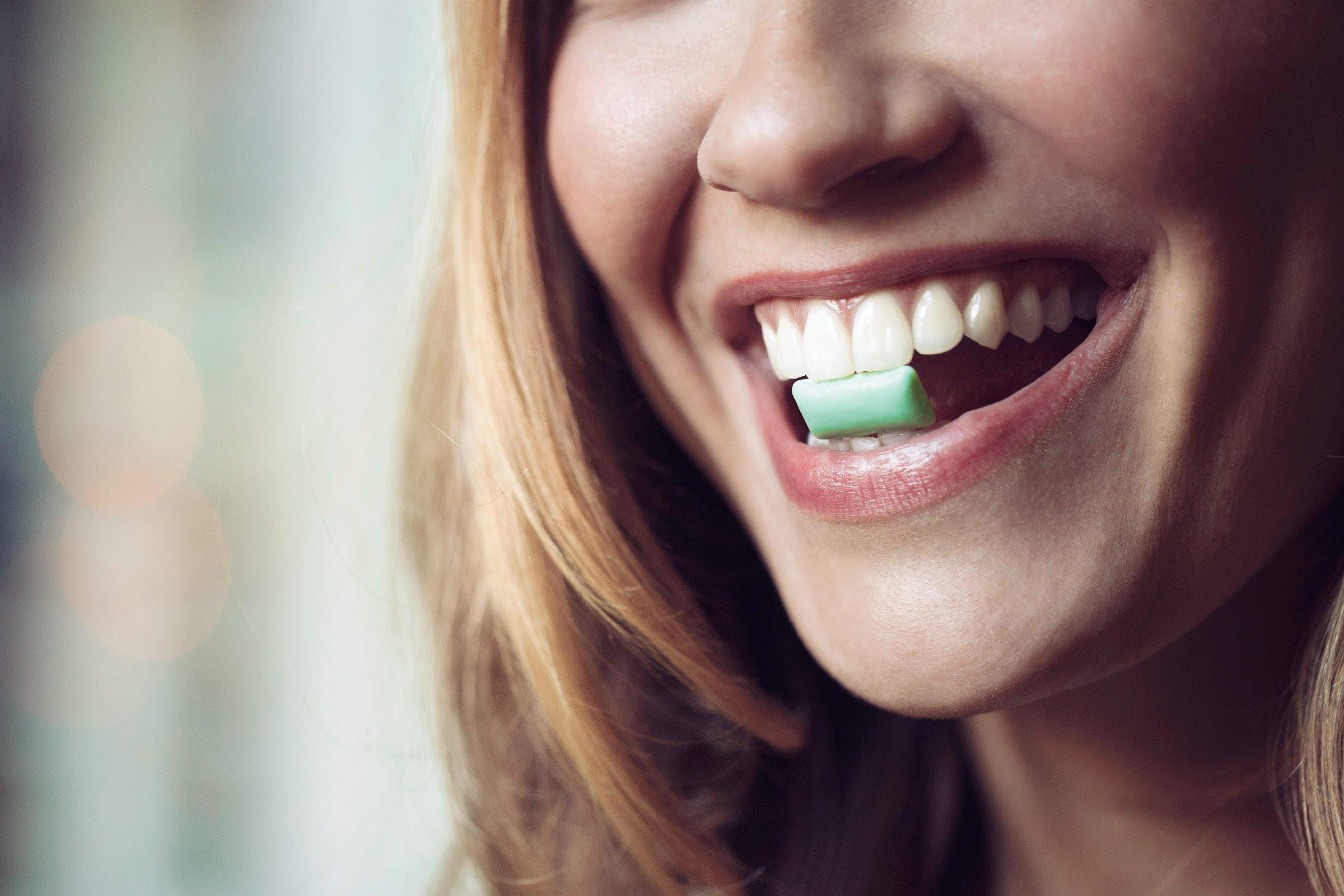 Статья: Жевательная резинка. Какой вред она несет для зубов?